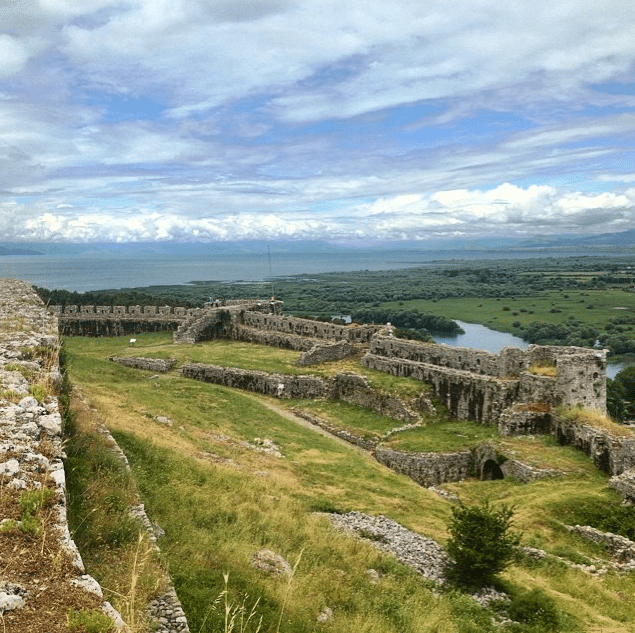 rozafa a legend in albania While the city of shkodër, albania, itself is a nice place to visit, there are plenty of  things to do nearby they include rozafa castle, mes bridge,.