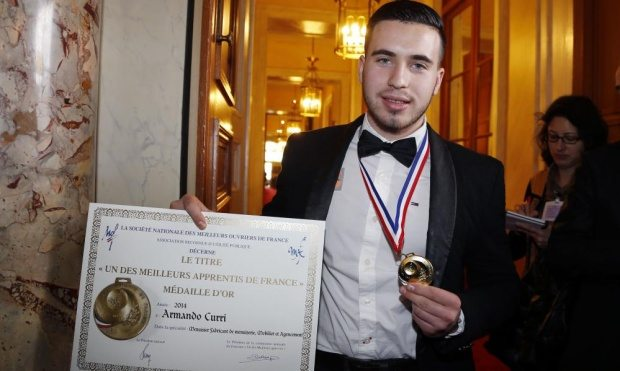 19 years old Albanian illegal migrant awarded with Gold Medal at French Senate