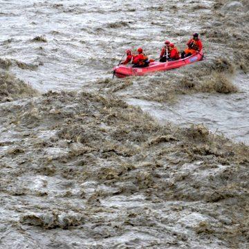 Albanian Rafting Group undertakes adventurous trip in swollen rivers