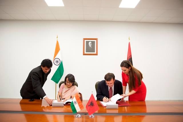 Albania and India abolish visas for diplomatic and service passports