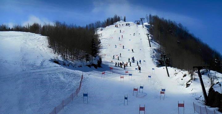 Skiing in Dardha village
