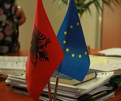 The role that the winning of candidate status plays in Albania's economy