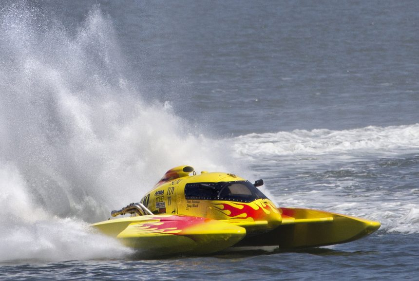 Hydroplanes, a new mean of transport in the Albanian Riviera
