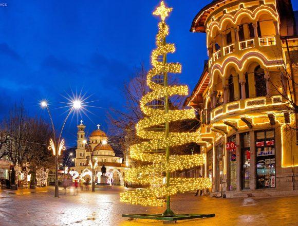 Thousands Flock to Korca for Christmas Celebrations