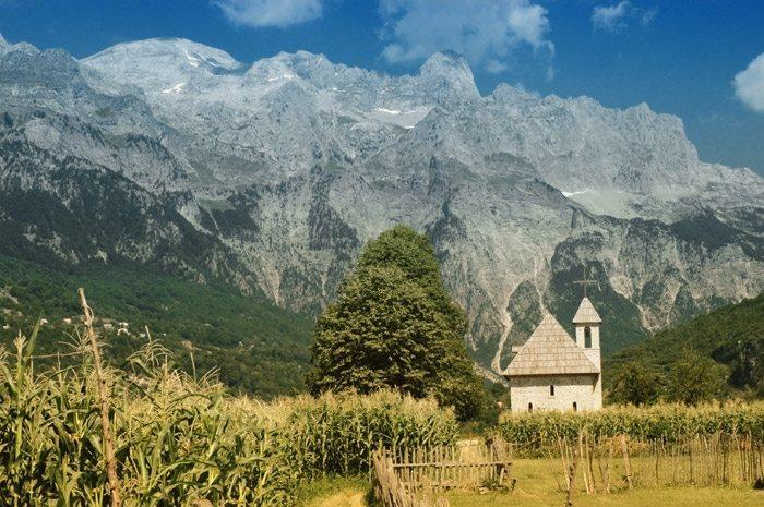 Alps' Plan to Turn Northern Region into a Year Round Tourist Destination