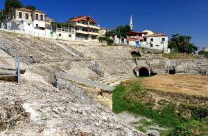 Amfiteatr_rzymski_w_Durrës_1 (1)
