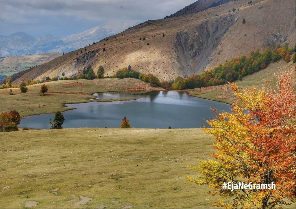 Liqeni i Zi Gramsh