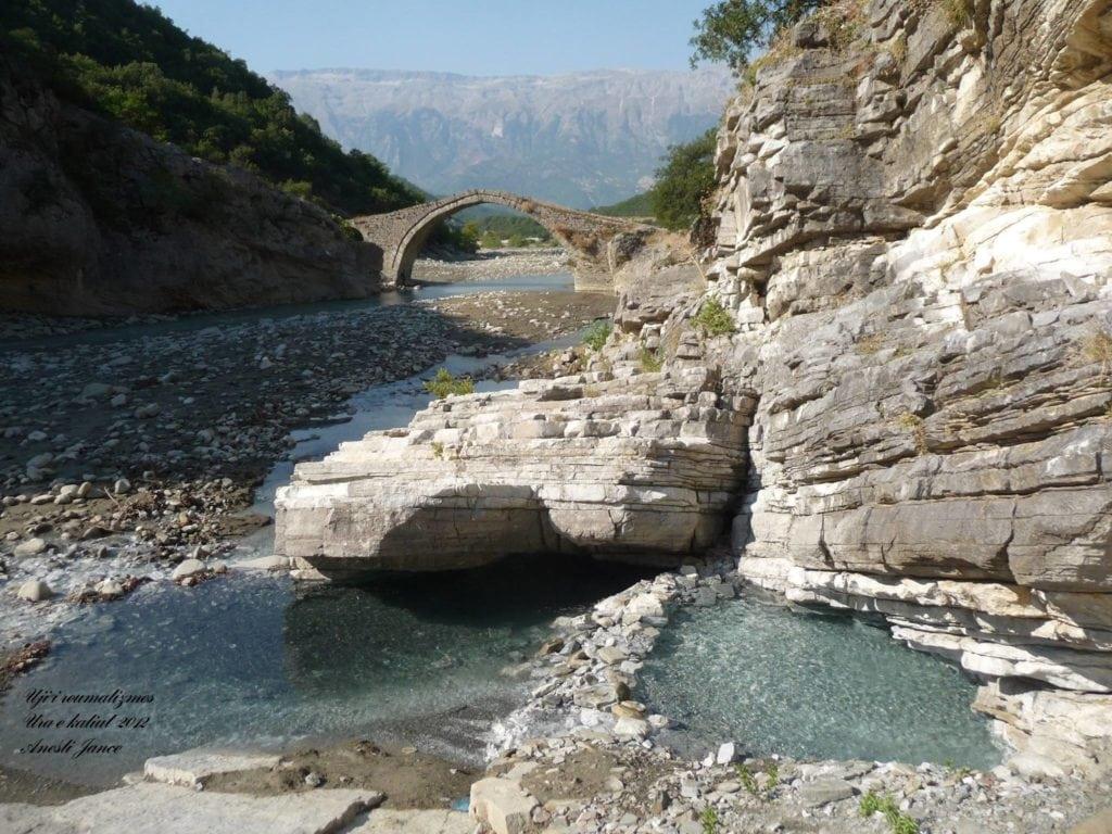 Benje thermal baths