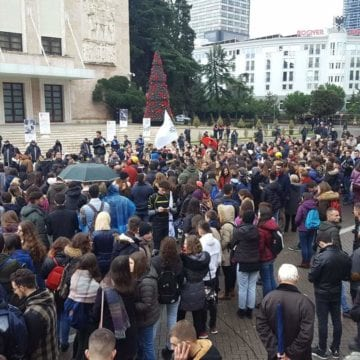 Students' Protest Enters 10th Day