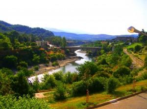 Vjosë_river,_Përmet,_Albania_-_20070825