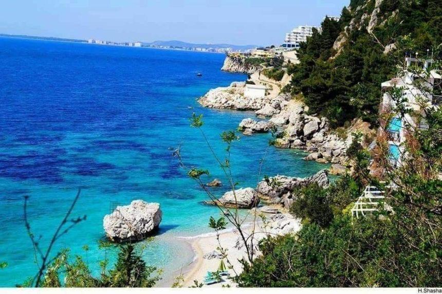 """French Media Calls Albania """"a Tourist Treasure""""."""