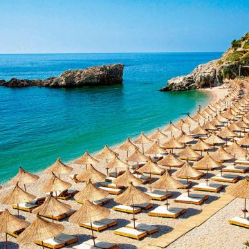 Ekathimerini Greek newspaper on Albanian tourism