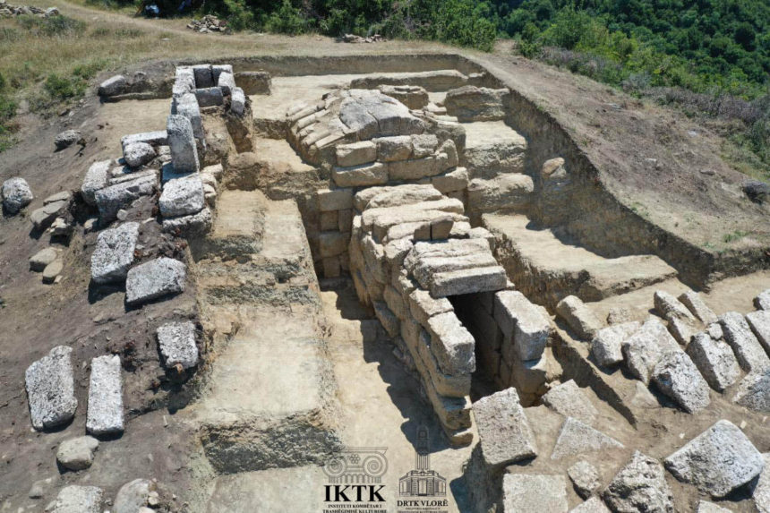 Ancient Tomb Unearthed in Amantia