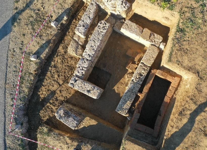 2,000-Year-Old Tomb Unearthed in Amantia Necropolis