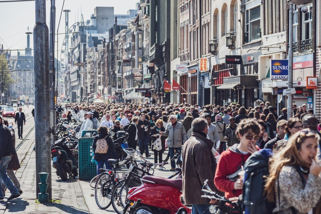 mass tourism in Amsterdam