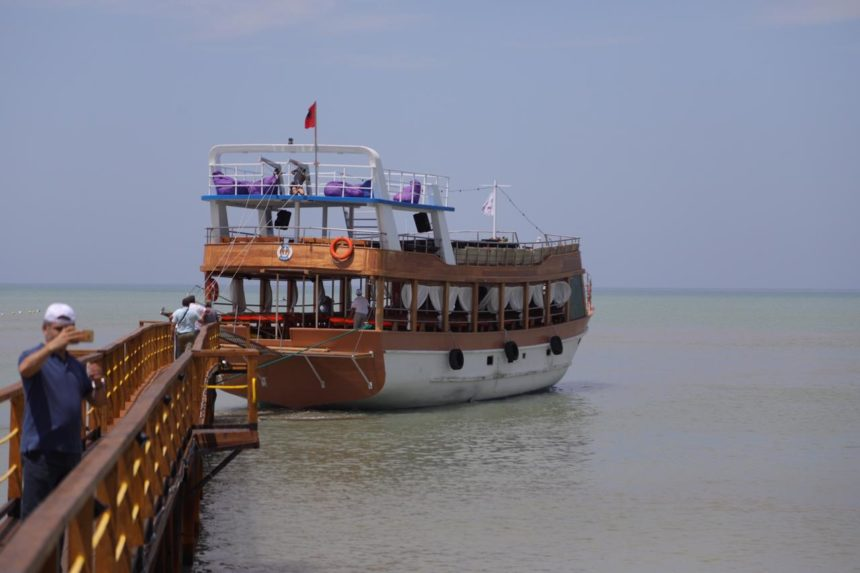 Tourist Vessels to Abide by Strict Rules after Ship Incident