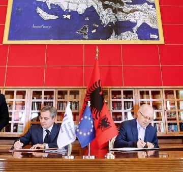 Minister Cani signs agreement with EBRD for Vlora bypass project