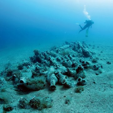 Looters Plunder Albania's Sunken Treasures, AFP Reports