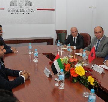 Albania invites United Arab Emirates' investors to invest in solar energy and gas field
