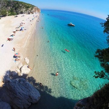 Italian Media Promotes Albania, the Mediterranean to Discover