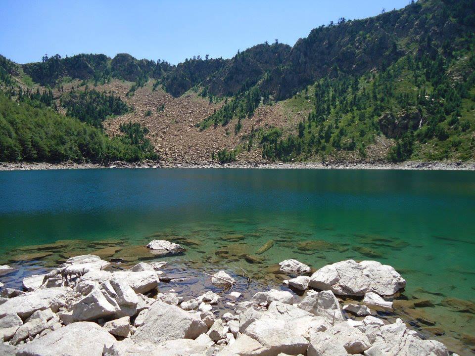 Kacni Lakes