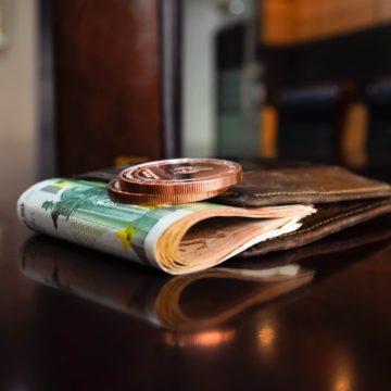 Albania Raises Monthly Minimum Wage to Lek 30,000