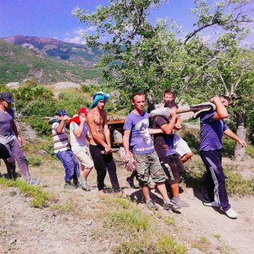 Young Men Carry Generator for 3 Hours to Prove Hospitality