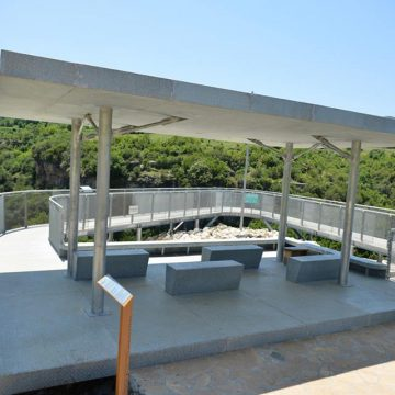 Viewpoint Platforms Built over Osumi Canyons