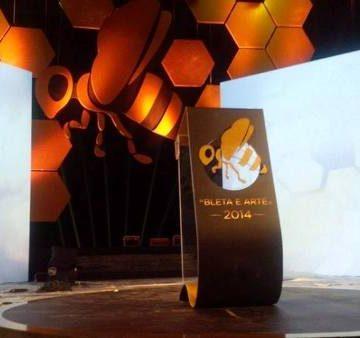 """Golden Bee 2014"" awards 50 successful entrepreneurs"