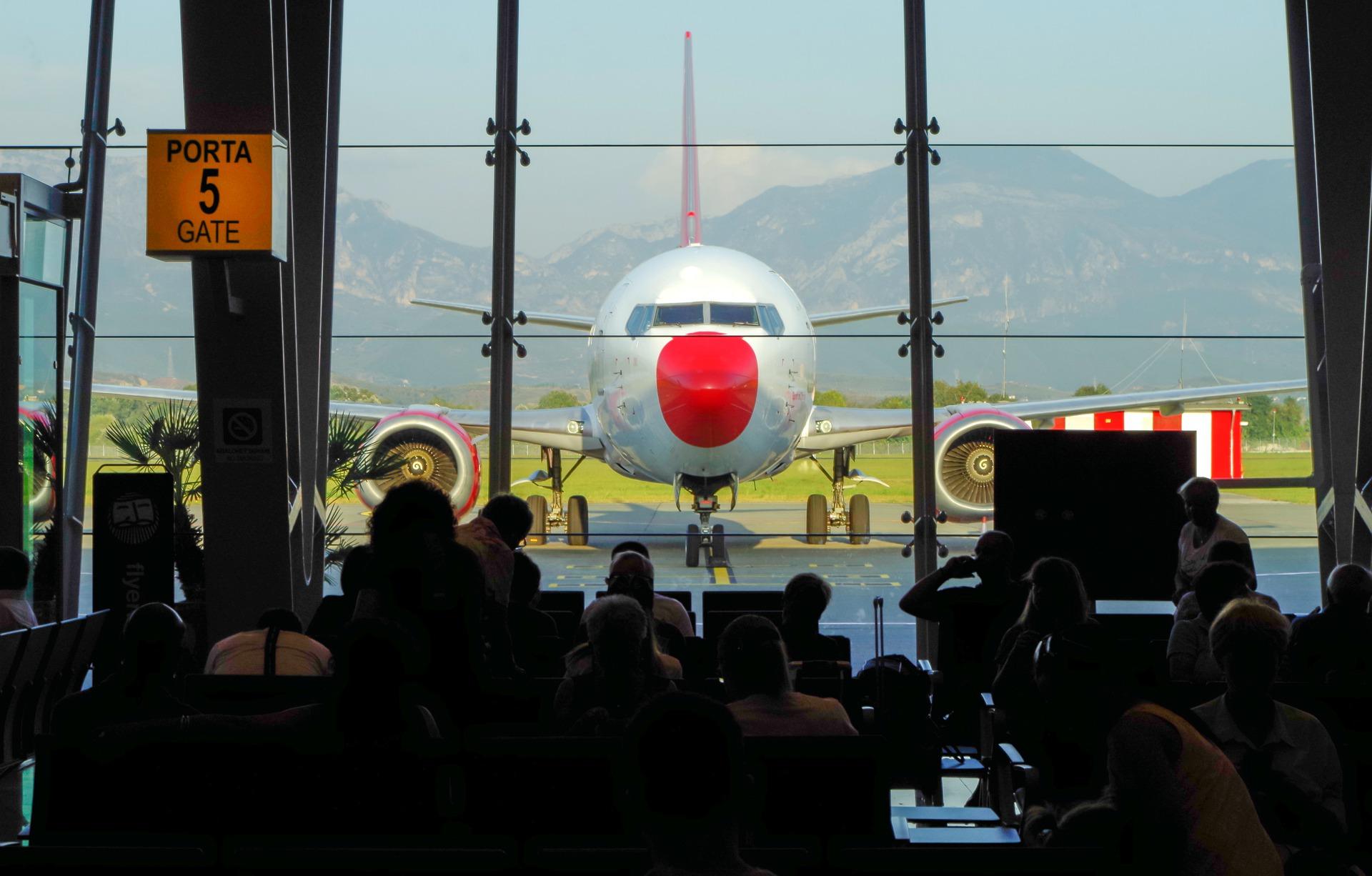 Italy's Black Friday Strike Causes Flight Disruption • IIA