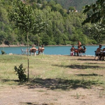 Ulëz-Shkopet lakes, attraction for familiar tourism
