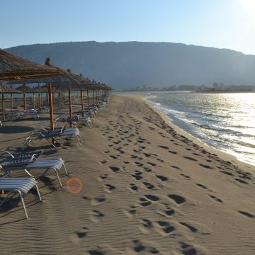 Velipoja Beach and its Curative Sand